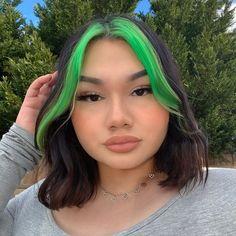 Hair Color Birthstone Sale – Arctic Fox - Dye For A Cause Hair Color Streaks, Hair Color Purple, Hair Dye Colors, Hair Highlights, Green Hair Colors, Gefärbter Pony, Dyed Bangs, Blonde Bangs, Hair Bangs