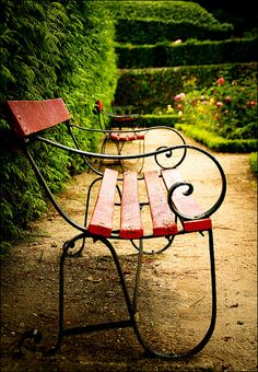 Increase Some Modern Day Design For Your Front Room With Art Deco Coffee Tables 18 Farmhouse Garden Benches In Hardwood Ensure Longer Lifetime Garden Seating, Garden Chairs, Garden Furniture, Garden Benches, Park Benches, Urban Furniture, Banquettes, Gravel Walkway, Pea Gravel