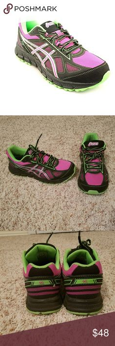Asics Women's Gel-Scram 2 Running Shoe Gently used and need a loving new home! Size 6 but fit more like a 6.5! Asics Shoes Athletic Shoes