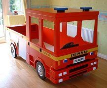 Fire Engine Bed is highly detailed and accurate. As can be seen in the photos there is a real eye for detail on this bed which will look stunning in any bedroom.