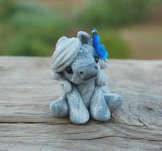 Genuine and original polymer clay sculpture designed and handmade with love by Elisabete Santos Cute Polymer Clay, Polymer Clay Animals, Cute Clay, Polymer Clay Crafts, Diy Clay, Polymer Clay Sculptures, Polymer Clay Creations, Sculpture Clay, Ceramic Sculptures