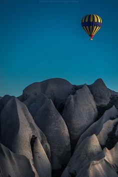 Hot Air #Balloon over Cappadocia, #Turkey http://www.flickr.com/photos/coolbiere/8749841996/in/set-72157633263033257/