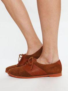 Delos Saddle Shoe