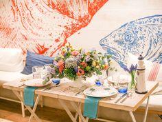 Una mesa de verano de inspiración marina