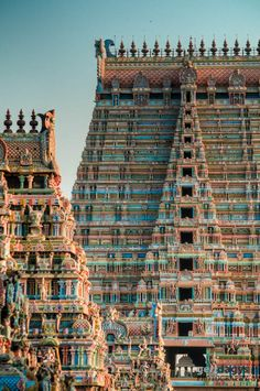 Biggest temple in india ,Sri Ranganathaswamy Temple, Trichy, Tamil Nadu, India Indian Temple Architecture, India Architecture, Ancient Architecture, Amazing Architecture, Interactive Architecture, Temple India, Hindu Temple, Beautiful Buildings, Beautiful Places