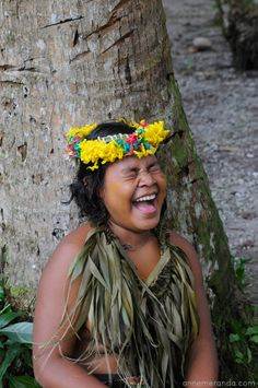 travell pacific ocean Laughing Photos, Pacific Ocean, Live Life, Tropical, Faces, Island, Portrait, Hair Styles, Travel
