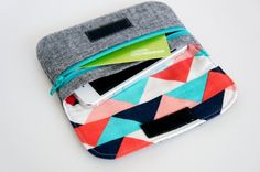 great pouch by sewwhatsherlock. pattern by michellepatterns.