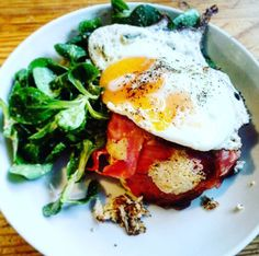 Voilà un tout nouveau bowlcake salé ! Un qui prend un peu plus de temps à préparer que les autres mais un qui vaut le détour ! ;) Je suis une fan de petit déjeuner british, avec les bacon & egg...