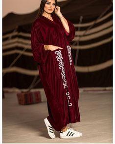 #Repost @almasala_ with @instatoolsapp New looks #abayas #l4l #intm
