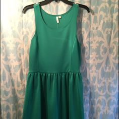 Nordstrom Green Dress The most amazing green color! Very soft, movable fabric that flatters with 95% polyester and 5% spandex. Perfect dress for a statement necklace! Frenchi Dresses