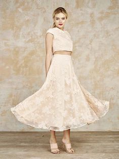 Wedding Dress Ideas, Designers & Inspiration : Watkins bridal seperates from House of Ollichon 2016 – Pretty blush bridal skirt and top – see the rest of the collection on www. Top Wedding Trends, Wedding Ideas, Boho Gown, Bridal Skirts, Bridal Jumpsuit, Alternative Wedding Dresses, Bridal Separates, Wedding Hair Inspiration, Blush Bridal