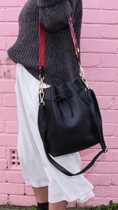 Minimalist Simple bucket bag / Simple / Modern /