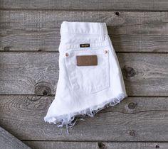 Vintage WRANGLER Shorts Denim Cutoff Shorts Tattered Blue Distressed Highwaist Jean Shorts Cut high or Low Cut