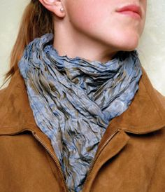 Free Instructions: This simple crinkled scarf from Fabricate is an easy yet sophisticated holiday gift project.