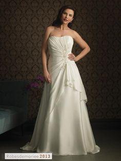 Superbe A-line bretelles chapelle Appliques Floor-Length Plus Size robe de mariée