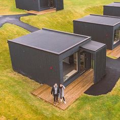 Source modular sea container house,customized ocean c Quelle modulares - Build Container Home Sea Containers, Sea Container Homes, Casas Containers, Container House Plans, Container House Design, Tiny House Design, Container Buildings, Container Architecture, Architecture Design