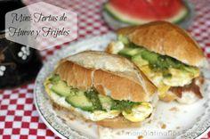 Pan, frijoles, huevo y aguacate Mmm!!
