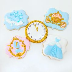Cinderella  #cookies #decoratedcookies #customcookies #decoratedcustomcookies #customdecoratedcookies #cookielove #cookieart #sugarcookies #lecheria #lechería #tadino #sugarart #foodart #foodie #edibleart #cookieart #royalicing #galletasdecoradas #bolachasdecoradas #handmade #l4l #sweet #homemade #igers #instagramers #cute #cinderella #disney #cenicienta