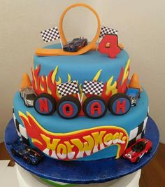Hotwheels cake Bolo Hot Wheels, Hot Wheels Cake, Festa Hot Wheels, Hot Wheels Party, Hot Wheels Birthday, Race Car Birthday, Cars Birthday Parties, Hotwheels Birthday Cake, 4th Birthday