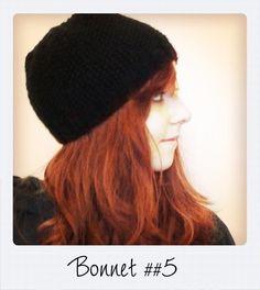 Et voilà le dernier ! Un petit bonnet noir en point de riz, très chaud (50% laine, 50% acrylique) qui protège bien les oreilles. Et...