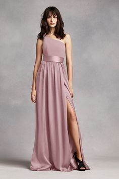 Dreaming of your bridal party wearing Vera Wang bridesmaid dresses on the big day? Shop at David's Bridal to find affordable Vera Wang bridesmaid dresses! Asymmetrical Bridesmaid Dress, Vera Wang Bridesmaid Dresses, Bridesmaids, White By Vera Wang, White Wedding Dresses, Grey Dresses, Ball Dresses, Lace Wedding, Look Cool