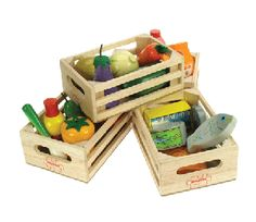 Why not discuss with your pre-schooler how healthy food helps their body to grow and become strong? Make up a shop and ask your child to only serve you the healthy foodstuffs. Four boxes include fruit, vegetables and both tinned and fresh fish. #healthplay