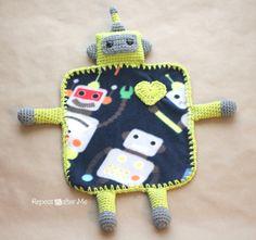 Repeat Crafter Me: Crochet Robot Lovey Blanket Crochet Cowboy Hat Pattern for Baby. Crochet Lovey, Crochet Diy, Manta Crochet, Crochet For Boys, Crochet Blanket Patterns, Baby Blanket Crochet, Ravelry Crochet, Afghan Patterns, Crochet Afghans