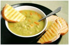 Here are the best Clean Eating soup recipes that are made with good healthy ingredients. I really enjoy making soup and I enjoy eating it too. Skinny Recipes, Healthy Recipes, Healthy Food, Split Pea Soup Recipe, Clean Eating Soup, Pea And Ham Soup, Soup And Sandwich, Soup And Salad, Soups And Stews