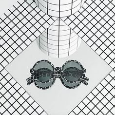 Darkroom collaborates with eyewear brand Larke. Based on a monochromatic palette of mosaic, resin, marble and terrazzo. Old Hollywood Glamour, Kinds Of Shoes, Ray Ban Sunglasses, Sunglasses Outlet, Sunglasses Online, Great Movies, Girls Best Friend, New York Fashion, Women's Fashion