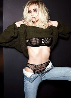 taylor momsen going to hell cd photos | Taylor Momsen , former Gossip Girl star and lead singer for The Pretty ...