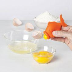 peleg design squeezes gulping yolkfish to separate eggs - designboom | architecture & design magazine