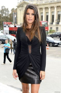 French star : Karine Ferri at Paris Fashion week. So Sexy ! Karine Ferry, Skirt Fashion, Fashion Dresses, Sexy Outfits, Casual Outfits, Pvc Skirt, Business Women, Business Lady, Ferrat