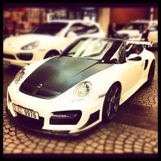 Porsche: modified