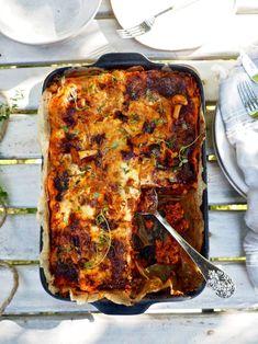 Huijarin kanttarellilasagne — Peggyn pieni punainen keittio Ethnic Recipes, Food, Lasagna, Essen, Meals, Yemek, Eten