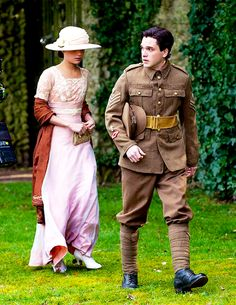 costume testament of youth - Αναζήτηση Google... I have looked for a full length picture of this dress for a long time