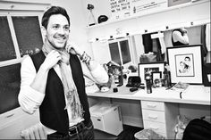 Steve Kazee -so glad I got to see him in Once, raw and emotional portrayal and extremely handsome