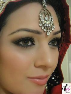 Naturals Bridal Makeup Review : 1000+ images about Indian wedding on Pinterest Indian ...