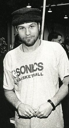 Jeff Ament Black and white Jeff Ament, Foo Fighters Dave Grohl, Matt Cameron, Pearl Jam Eddie Vedder, Best Guitar Players, Alice In Chains, The Best Films, Brown Jacket, Music Icon