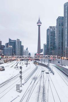 Toronto Views's albums Toronto City, Downtown Toronto, Winter Wonderland Wallpaper, Toronto Winter, Canada Destinations, Moving To Canada, City Vibe, Winter Scenery, Quebec City