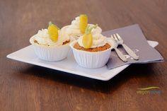 Carrot Cake Muffins ohne eier, mit normalem joghurt und frischkäse topping- super lecker!
