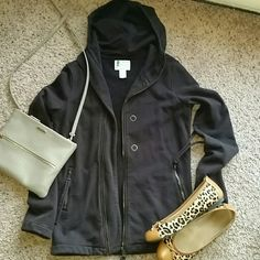 Urban Outfitters brown zip up hoodie/jacket Medium/heavy brown zip up jacket from Urban Outfitters. Side sip pockets. Excellent used condition. Nice long length! Urban Outfitters Tops Sweatshirts & Hoodies