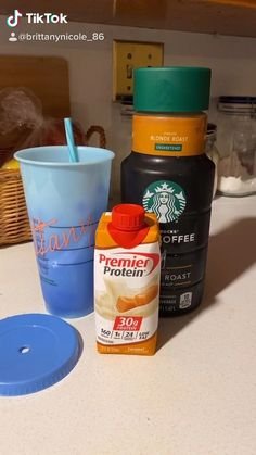 Healthy Iced Coffee, Iced Coffee Protein Shake Recipe, Healthy Starbucks Drinks, Keto Coffee Recipe, Coffee Drink Recipes, Protein Shake Recipes, Starbucks Recipes, Low Carb Recipes, Coffee Protein Shakes