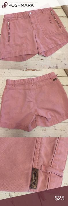 Rose Quartz Calvin Klein Shorts Size 4, worn once & no damage. Mid-waist 💕 open to offers. Trendy dusty pink/blush Calvin Klein Shorts Jean Shorts