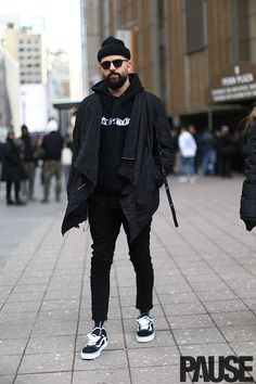 9 Cheap And Easy Tips: Urban Fashion Style Lights urban fashion night smokey eye.Urban Wear For Men Summer urban fashion plus size fit. Nyc Mens Fashion, Yeezy Fashion, Urban Fashion, Men's Fashion, Street Fashion, New York Fashion Week Street Style, Queer Fashion, Fashion Menswear, Fashion Outfits