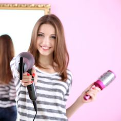 Stehen eure Haare nach dem Föhnen oder Kämmen elektrisch geladen ab? Ein Klecks Creme in den Händen verreiben und damit ein paar Mal durch die Haare fahren. Die fliegenden Haare gehören der Vergangenheit an.