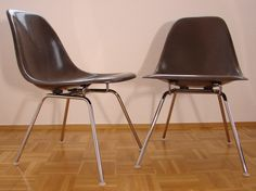 Fiberglas Sidechair DSX (H Base)   Charles And Ray Eames   Herman Miller  Low Base/Lounge Base Braun   Sehr Guter Zustand 2 Stück V E R K A U F T