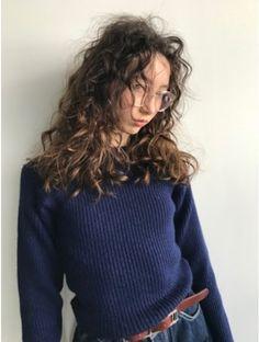 Fashion Poses, Hair Images, Curly Girl, Perm, Hair Inspo, Girl Hairstyles, Hair Makeup, Hair Cuts, Long Hair Styles