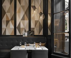 Stylish Exclusive Italian Restaurant in Classic Interior Design: Gorgeous Italian Restaurant Cafe Sofa Sectional Artcurial Design