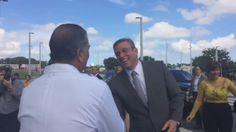 RT @cynthia_lope: Gobernador AGP a su llegada a Centro...