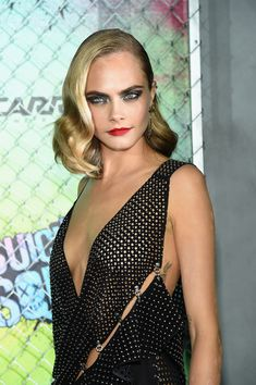 "Cara Delevingne red carpet for Suicide Squad, British Fashion Awards ""model of the Year,"" star of Suicide Squad as the Enchantress, Valerian, a modern classic beauty. Cara Delevingne Photos, Cara Delevigne, Cara Delevingne Style, Look Fashion, Girl Fashion, Celebs, Celebrities, Classic Beauty, Belle Photo"